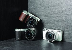 Samsung NX500 in Black, Brown and White