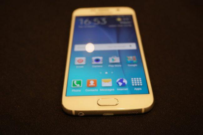 White Galaxy S6